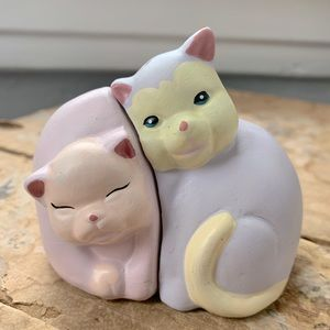 Vintage Hand-Painted Cat Salt and Pepper Shakers